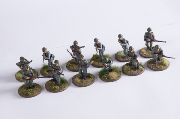 M40DU-INF-21 – Infantry squad with Lewis prone