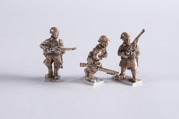 M40DU-INF-13 – Infantry great coat lewis team moving