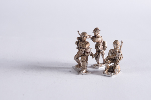 M40DU-INF-20 – Infantry squad with Lewis firing