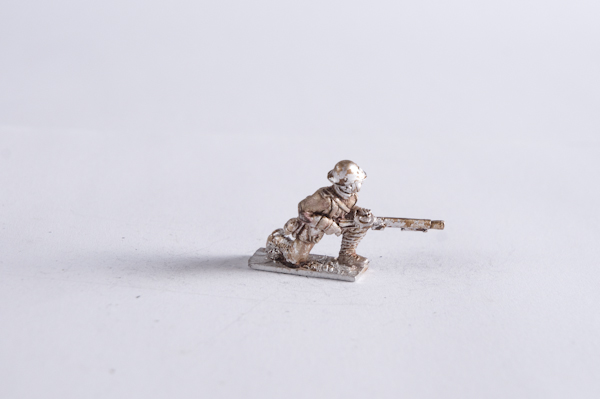 M40DU-INF-19 – Infantry squad with Lewis kneeling
